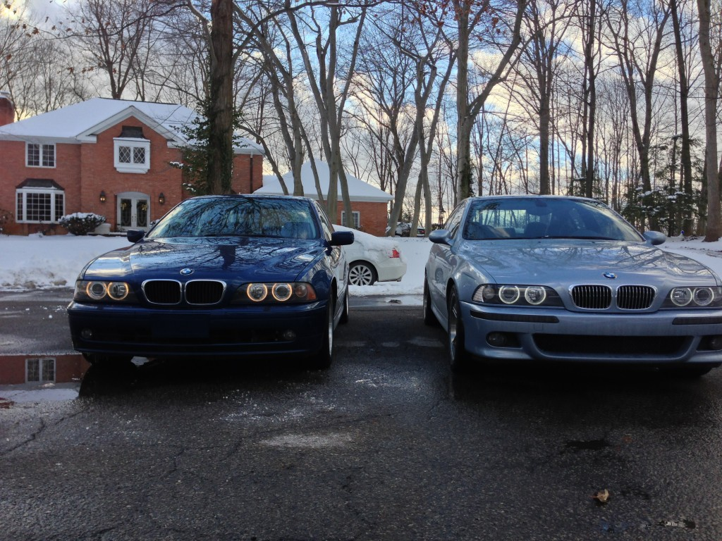 The first pictures of the 525 I was able to take when we got it home was next to its new best friend. Note the un-updated halos.